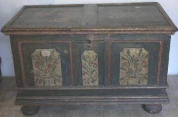 Chest - wood - 1730
