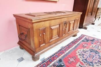 Chest - solid oak - 1780